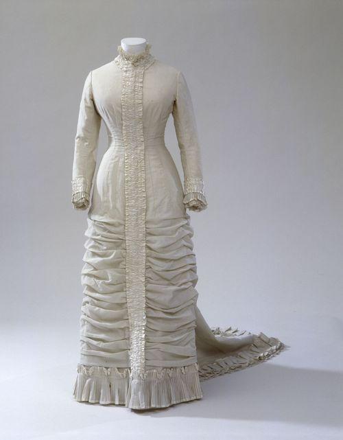 Wedding Dress  1881  Germanisches Nationalmuseum