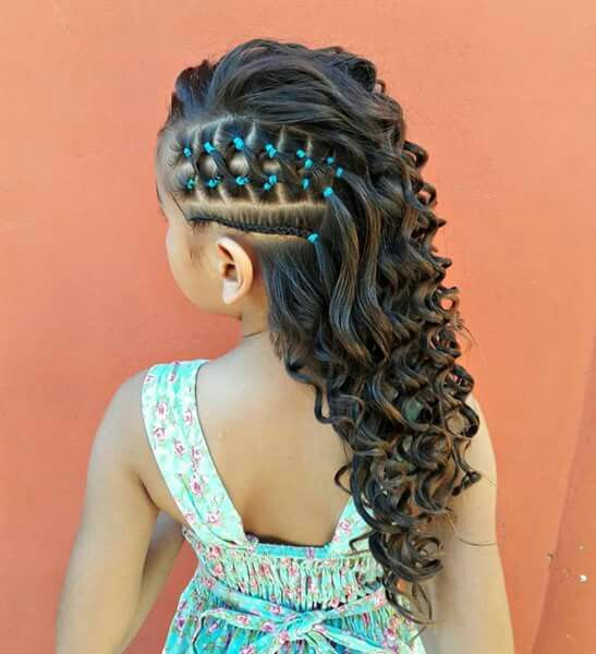 This Was A Fresh And Lovely Hairstyle For A Little Girl Who Wants To Do Something Different With Her Hair Lil Girl Hairstyles Girl Hair Dos Kids Hairstyles