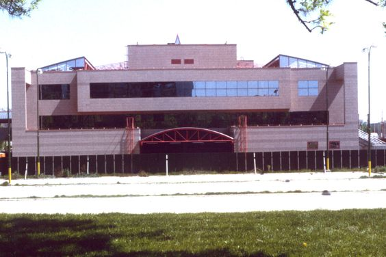 15. Okrskové centrum Ružinov, 1995, Boris Džadoň and Ján Polášek