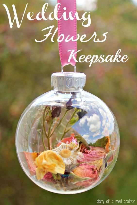 Bridal Bouquet Keepsake: Make an ornament with your wedding bouquet!