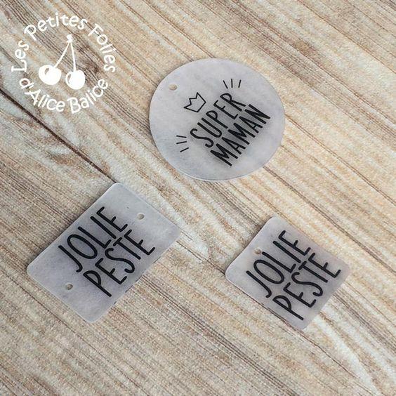 Modèles de textes empruntés à HappyBulle qui confectionne des bijoux gravés magnifiques ! <3