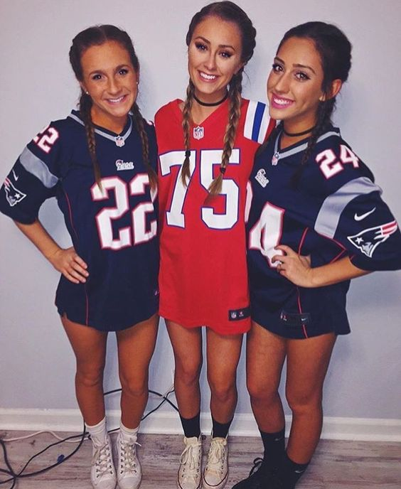 8 basic halloween costumes to embrace this halloween her campus best friend