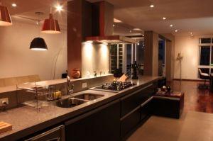 Modern kitchen - 50`s apartament São Paulo
