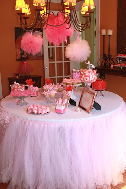 tulle table skirt... adorable!!