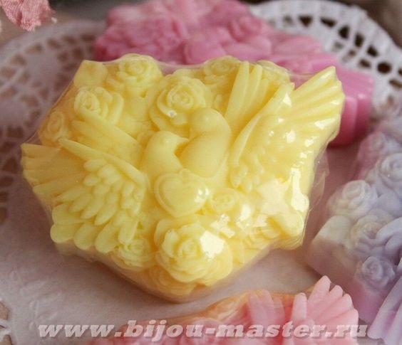 Домашнее оливковое подарочное мыло ручной работы Голубки желтые арт.003116