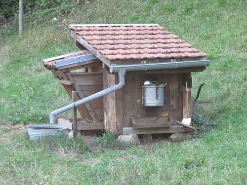 Cabane pour chevre atelier jardin pinterest for Chevre pour couper le bois