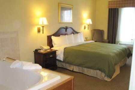 Country Inn & Suites By Carlson  Manfield, OH - Suite