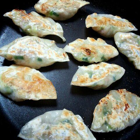 昨日のwasabilove さんの見たら食べたくなりまして(笑)両面焼きで♪ - 26件のもぐもぐ - 焼き餃子♪ by reico.t