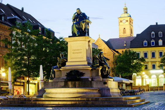 Rückert Denkmal Schweinfurt Marktplatz- http://www.schweinfurt360.de/ #Rückert #Denkmal #Schweinfurt Marktplatz