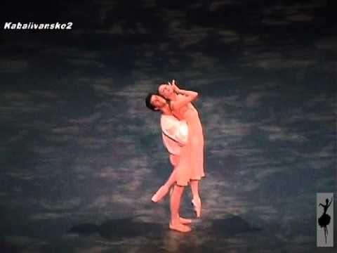 Romeo and Juliet Pas de Deux: Irina Dvorovenko and Roberto Bolle