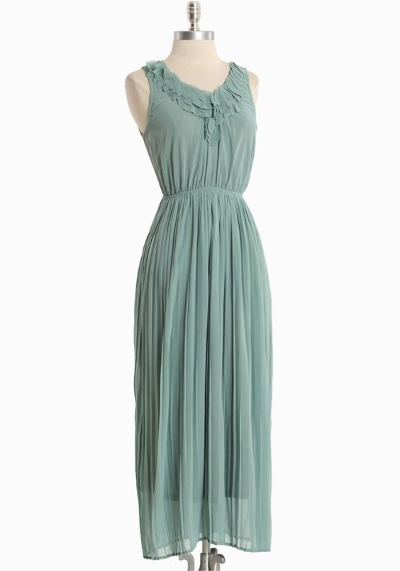 Spring Morning Pleated Maxi | Modern Vintage Dresses