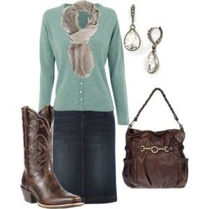 Love this outfit with the cowboy boots!