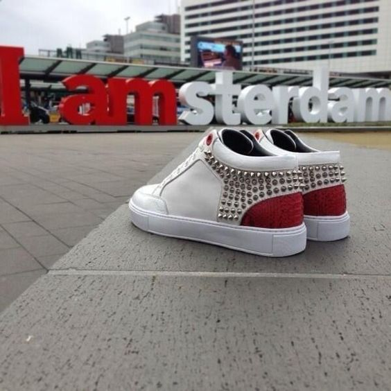 Royaums red and white