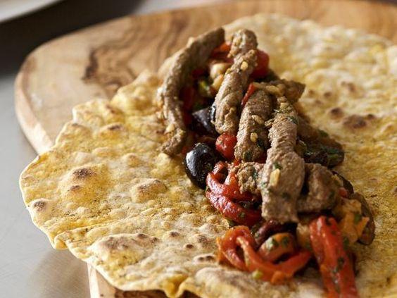 Wraps mit Lammfüllung ist ein Rezept mit frischen Zutaten aus der Kategorie Lamm. Probieren Sie dieses und weitere Rezepte von EAT SMARTER!