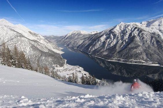 Skigebiete mit Seelage: Abfahrt mit Aussicht hier am Achensee.