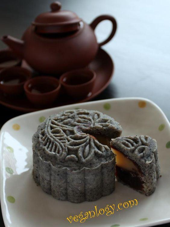 Mid-Autumn Special: Black Sesame Unbaked Snow Skin Mooncake