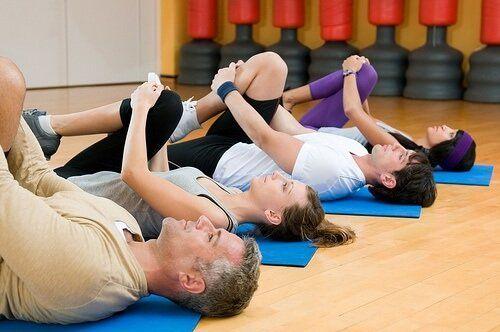 6 Otimos Alongamentos Para Aliviar A Dor Lombar Exercicios Para