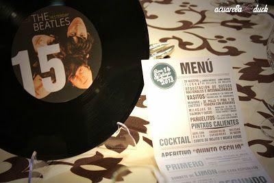 Meseros de vinilo para identificar los números de las mesas. #ideas #boda #decoracion #vinilos #meseros