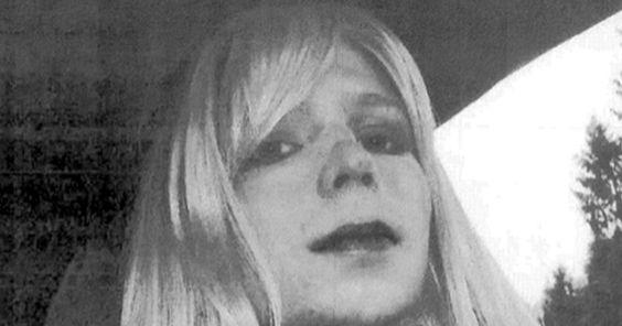 "Trump tweets on ""ungrateful traitor"" Chelsea Manning - CBS News"