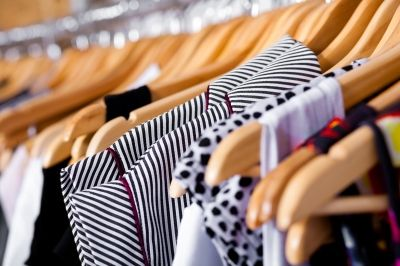 5 easy steps to an organized closet!  Sounds like a rainy day project!