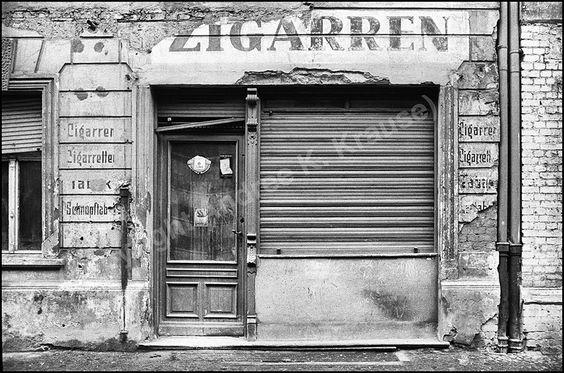 Berlin, Prenzlauer Berg, Zigarren, 1984   © Andree K. Krause