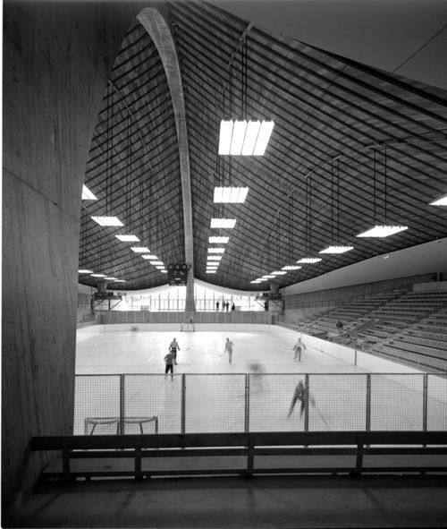 David S. Ingalls Rink at Yale University in New Haven, CT, designed by Eero Saarinen in 1953.