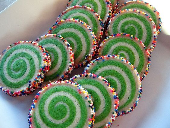 Christmas  Cookies - Whoville Cookies http://www.crumbdoodles.com/?p=636