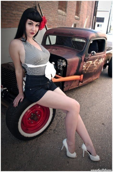 Pin-up plus hot rod. Nice combination.