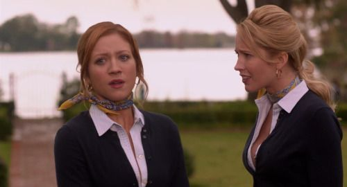 Brittany Snow & Anna Camp - Pitch Perfect (scarf)