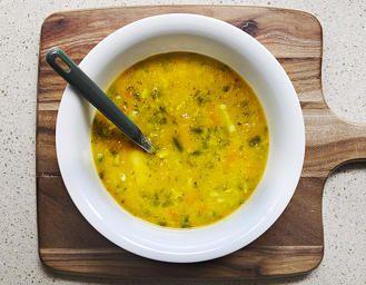 Vegan Turmeric & Kale soup