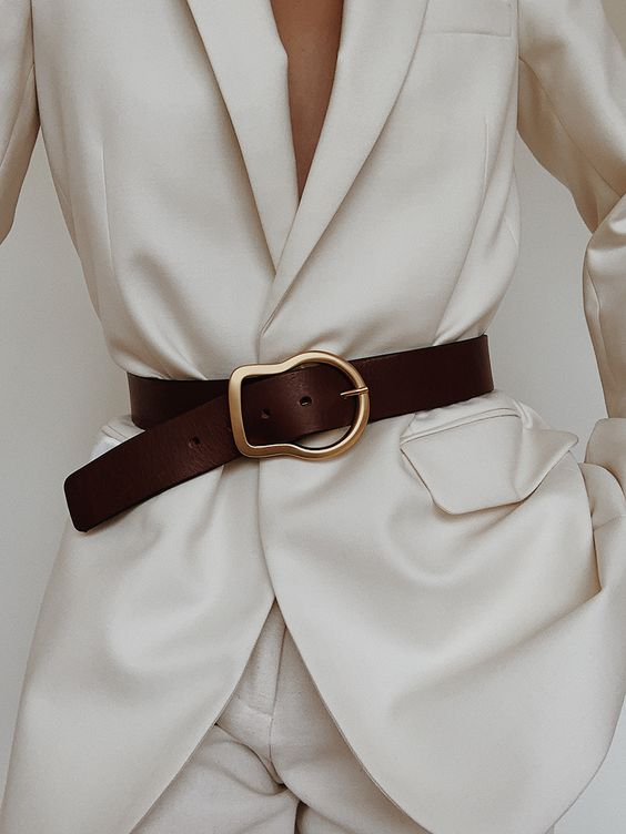 Buckled Belt | MODEDAMOUR