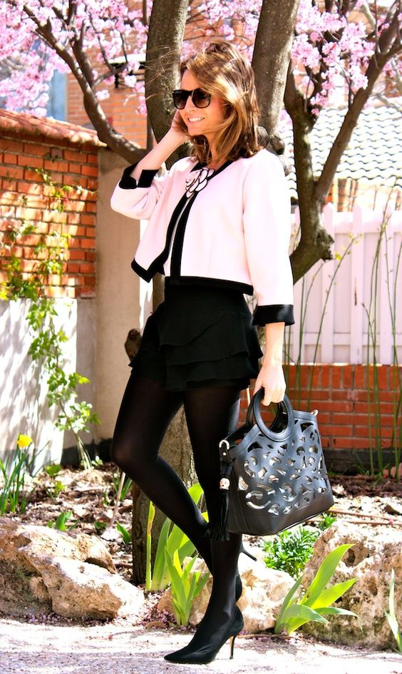 Fashion and Style Blog / Blog de Moda . Post: What I was waiting for : Pilar Burgos New Collection / Lo que estaba esperando : La nueva colección de Pilar Burgos.See more/ Más fotos en : http://www.ohmylooks.com/?p=13207 by Silvia