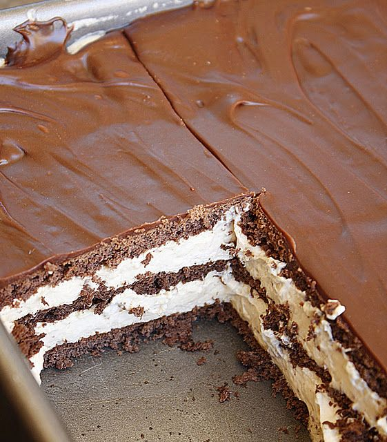 Peanut Butter Chocolate Eclair Cake!   # Pin++ for Pinterest #