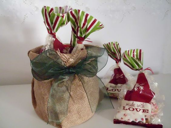 bolsa de arpillera para guardar regalos