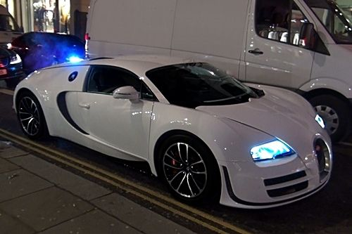http://auto-rev.blogspot.com/2014/08/2014-bugatti-veyron-gs-vitesse-one-of.html Bugatti