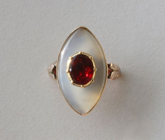 Chalcedony, garnet and gold ring, France, circa 18th century.