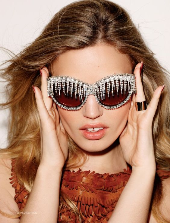 Georgia May Jagger by Thomas Schenk for Elle UK July 2012, A-morir sunglasses.