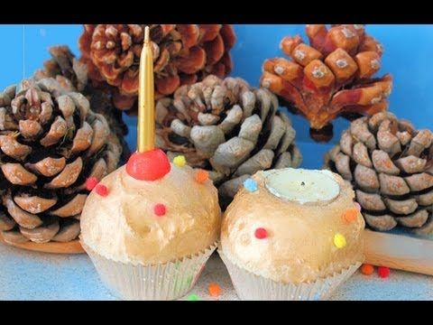 Candelabros de cupcakes hechos con espuma