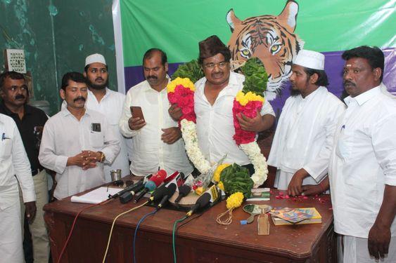 நடிகர் மன்சூர் அலிகான் 'தமிழ் தேசிய புலிகள் கட்சி'  தொடக்கம்
