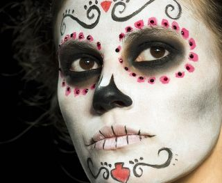 Lena_Hoschek_mexican-skull-makeup-