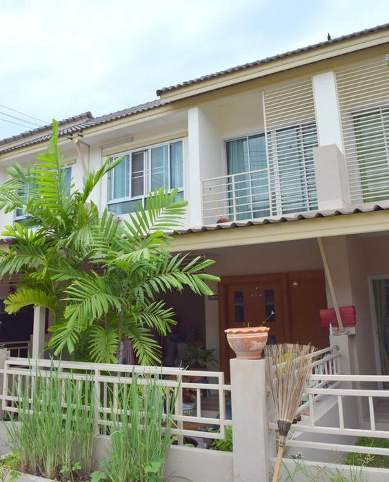 Thailand Real Estate Cha-am Home For Sale Thailand Property -- Two Bedrooms Three Bathrooms -- Offered Unfurnished -- Living Space:  120 Square Meters -- Land Area:  96 Square Meters Price:  2.8 Million THB
