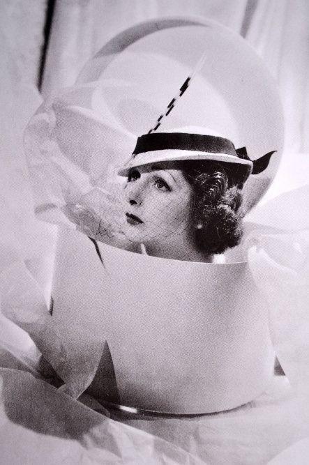 Cecil Beaton hat box 1934