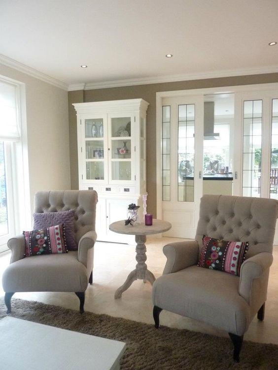 Mooie kleur muur en lambrisering home pinterest for Taupe woonkamer