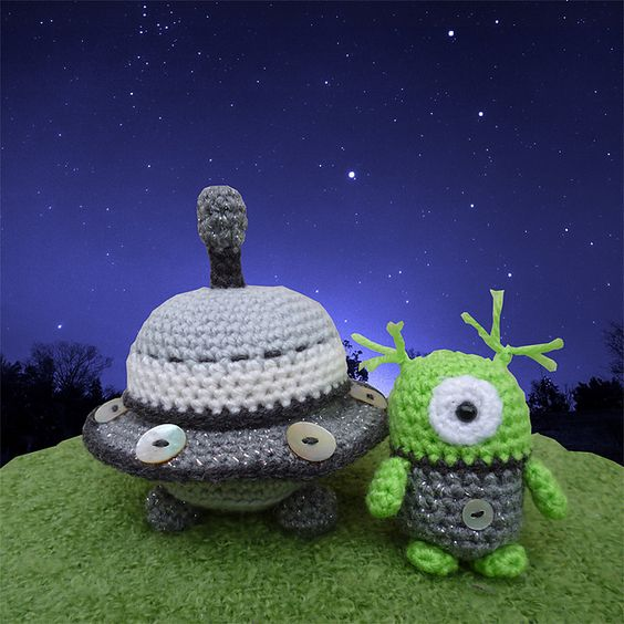 Ravelry: Alan the Alien and his Flying Saucer pattern by Moji-Moji Design