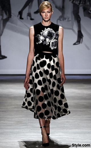 NewYorkDress Blog // Click through for our favorite #runway looks from #LelaRose #Spring2015! #nyfw