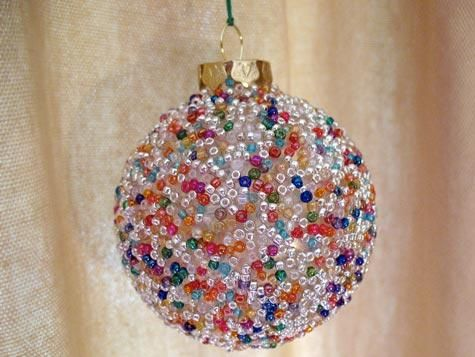 Seed Bead Ball Ornament...easy kid project...I think I might try it with styrofoam balls instead of glass since the kids are young.