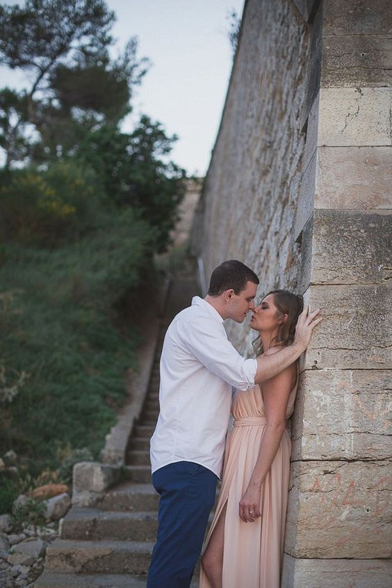 Intimate Engagement session | Image by DoctibPhoto