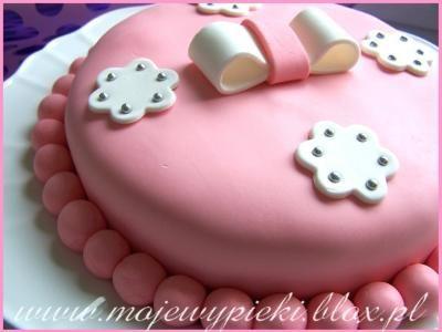 Tort urodzinowy, masa cukrowa z pianek