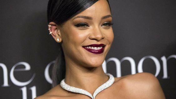 Rihanna lança novo álbum em site de streaming