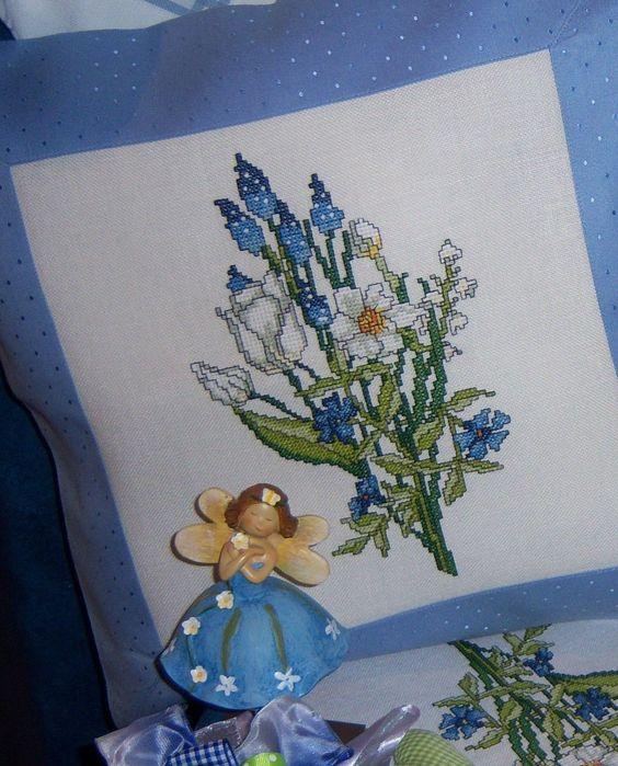 Blumenstrauß in Kreuzstich ... Design : Gerlinde Gebert